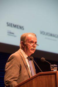 Praesident Klaus-Dieter Lehmann bei der Eroeffnung des Kultursymposiums Weimar