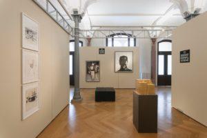 Alicja Kwade, Kohle, 2006; Moritz Stumm, Wordldwide Terror, 2013, Detroit, 2012; Michael Endlicher, Dramenblech 113 + 103, Foto ©Marcus Schneider