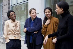 Elke aus dem Moore mit Aicha Diallo, Eadm, Julia Grosse,Yvette Mutumba, Foto Victoria Tomaschenko